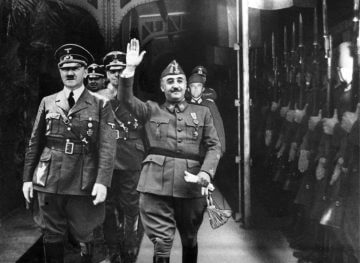 El dictador Franco junto a Adolf Hitler.